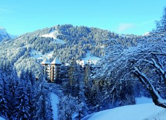 The Alpina Gstaadis is nestledon five acres in Oberbort in the heart of the Bernese Alps.