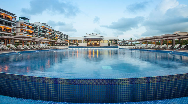 The infinity pool at the Grand Residences Riviera Cancun.