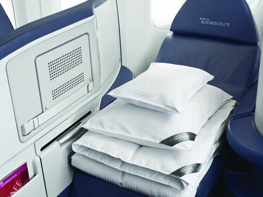 Westin Heavenly Bedding on board Delta Airlines.