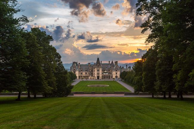 TheVillage Hotel on Biltmore Estate in Asheville, North Carolina.(Photo credit: ExploreAsheville.com)