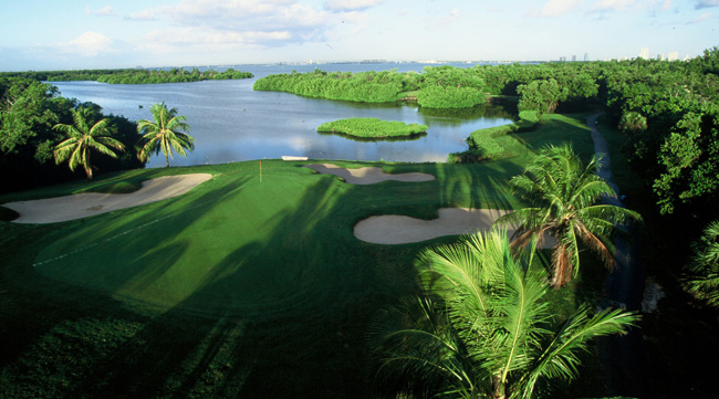 Guests who participate in Viceroy Miami's Stay 'N Play package receive a round of 18 holes at the nearby Crandon Golf at Key Biscayne.
