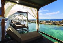 Bali beds on the Heaven side offer stunning views of the surroundings.