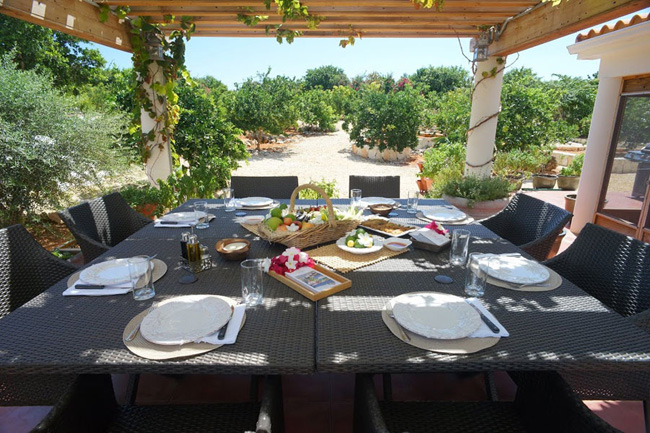 Al fresco dining at Le Soleil d'Or. (Photo credit: Le Soleil d'Or)