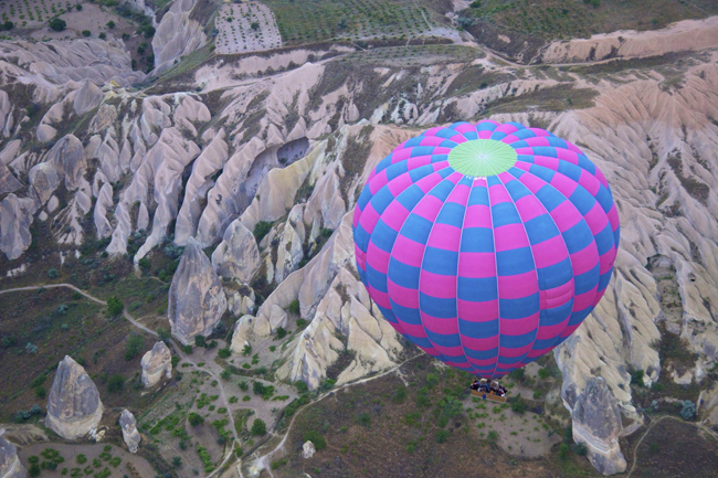 OnAbercrombie & Kent'sSignature Turkeytour, guests can take ahot-air balloon excursion over the region of Cappadocia.