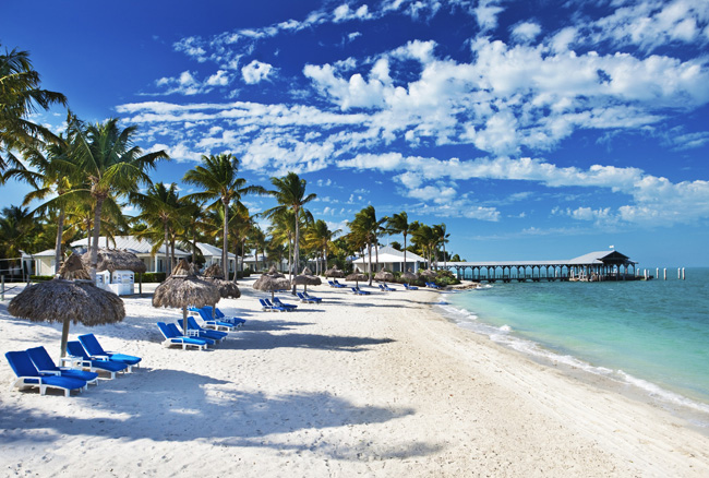 Pleasant Holidays'2016/2017 United States and Canada sales brochure features popular North America travel destinations, including the Florida Keys.