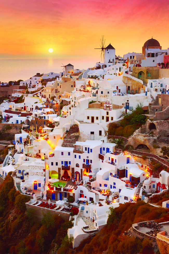 Cloud Tours features honeymoons to the Greek Isles.