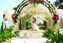 A wedding by the sea at Sandos Caracol Eco Resort in Playa del Carmen.