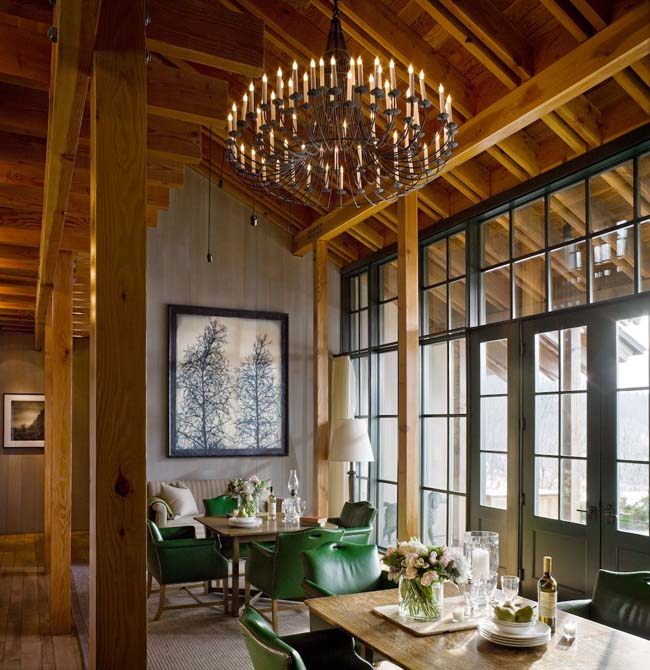 The interior of aFarmhouse at Copper Hill room atTwin Farms in Vermont.
