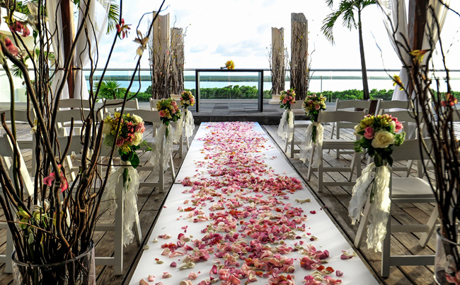 Oasis Hotels & Resorts recently launched anew wedding destination concept, O Weddings by Oasis, under the helm ofPaloma Flores, Oasis Hotels & Resorts new director of weddings.