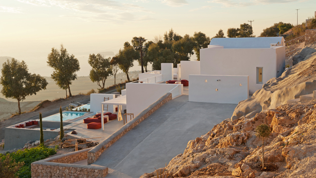 Santorini Heights, a luxurious 4-suite boutique villa, opened in late April in Santorini, Greece.