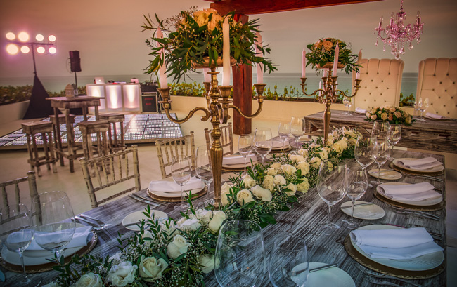 Couples can choose from a variety of food and beverage options for their reception including amarimba brunch with traditional Mexican food.