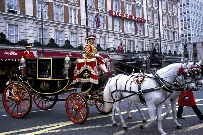 The Rubens at the Palace's Live like Royalty package features a horse-drawn carriage ride around London.