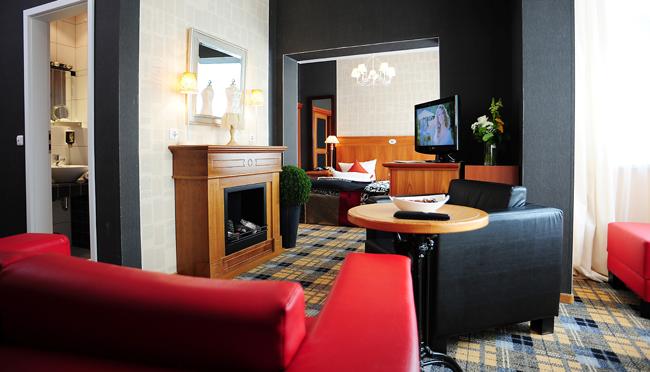 The Reading Room at theBoutique Hotel Schieferhof inNeuhaus Am Rennweg.