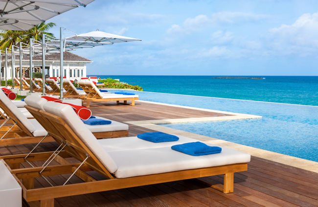 One&Only Ocean Club is invites guests to take a quick weekend getaway with the newSummer Friday Escape package.