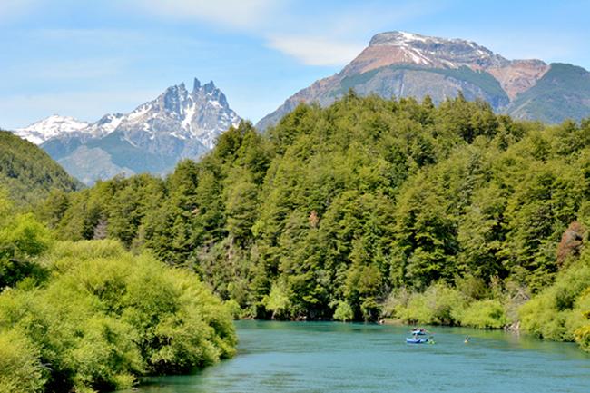 Patagonia Passion's Torres del Paine & Fitz Roy Massifitinerary explores Patagonia's Torres del Paine and the Fitz Roy Massif.(Photo credit: Patagonia Passion)