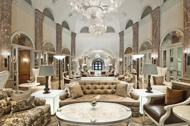 Crystal Lounge at theHilton Mumbai International Airporthotel.