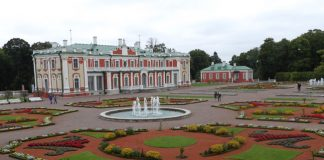 Kadriorg Park is home to not only the Kadriorg Palace, former residence of Peter the Great, but also the superb Museum of Estonian Art (KUMU).