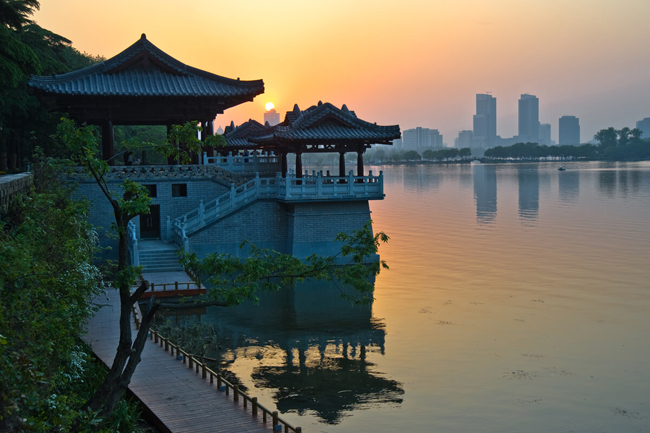Xuanwu Lake is one of the many attractions featured on the Nanjing Municipal Tourism Commission's new website.