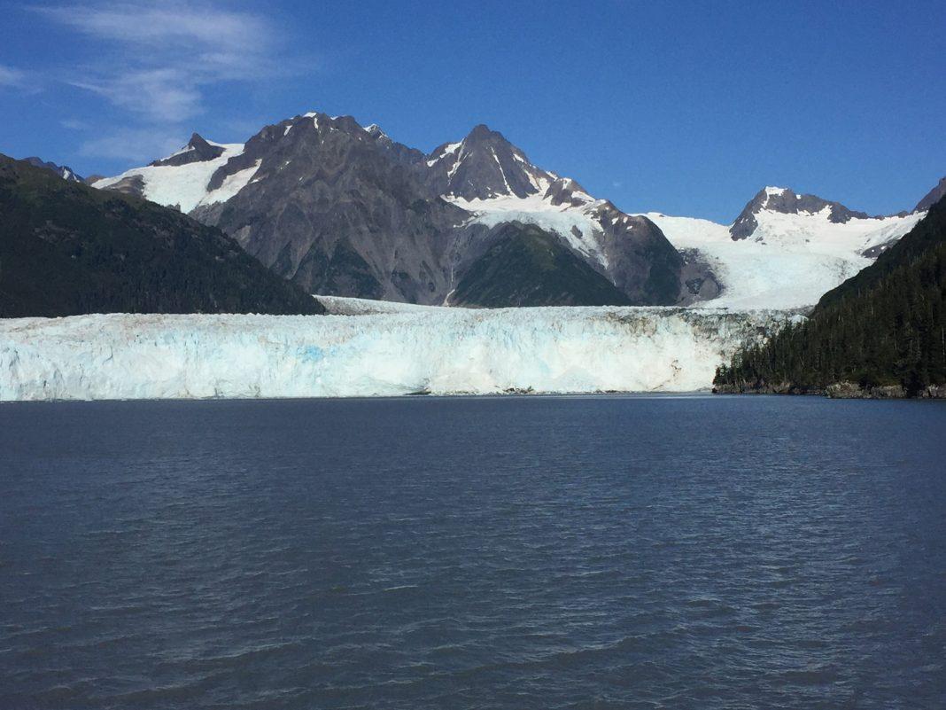 A 300-ft.-high glacier wall on Prince William Sound. (Paloma Villaverde de Rico)