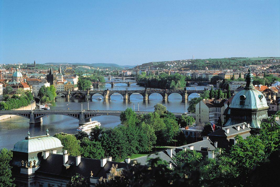 Views overPrague. (Photo credit: CroisiEurope)