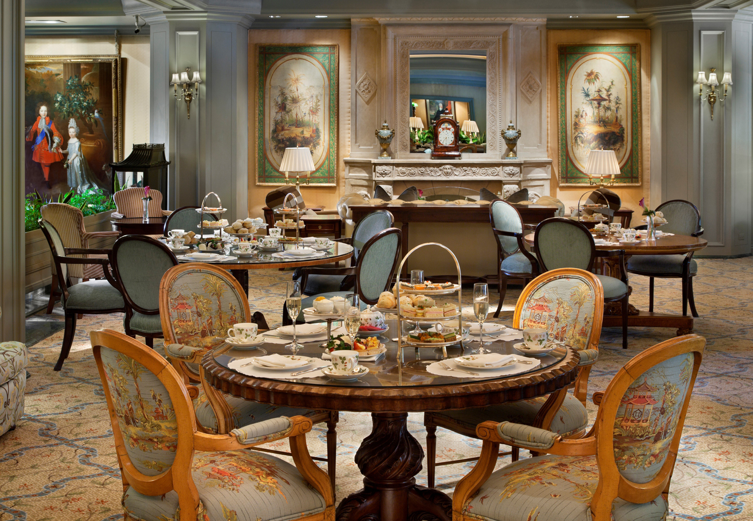Le Salon at Windsor Court New Orleans. (Photo credit: Windsor Court New Orleans)