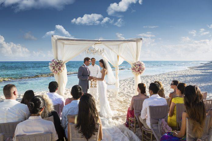 Couples planning a Karisma Hotels & ResortsGourmet Inclusive Wedding Eventmay beeligible for wedding credits. El Dorado Casitas Royale (pictured).
