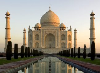 On The Go Tours' ultimatebucket list tour that takes travelers to each of the New Seven Wonders of the World, includingthe Taj Mahal in Agra.