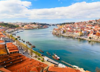 Windstar Cruises is offering a special food and wine themed cruise hosted by chef, restaurateur, and author Hugh Acheson, that visits Porto, Portugal.