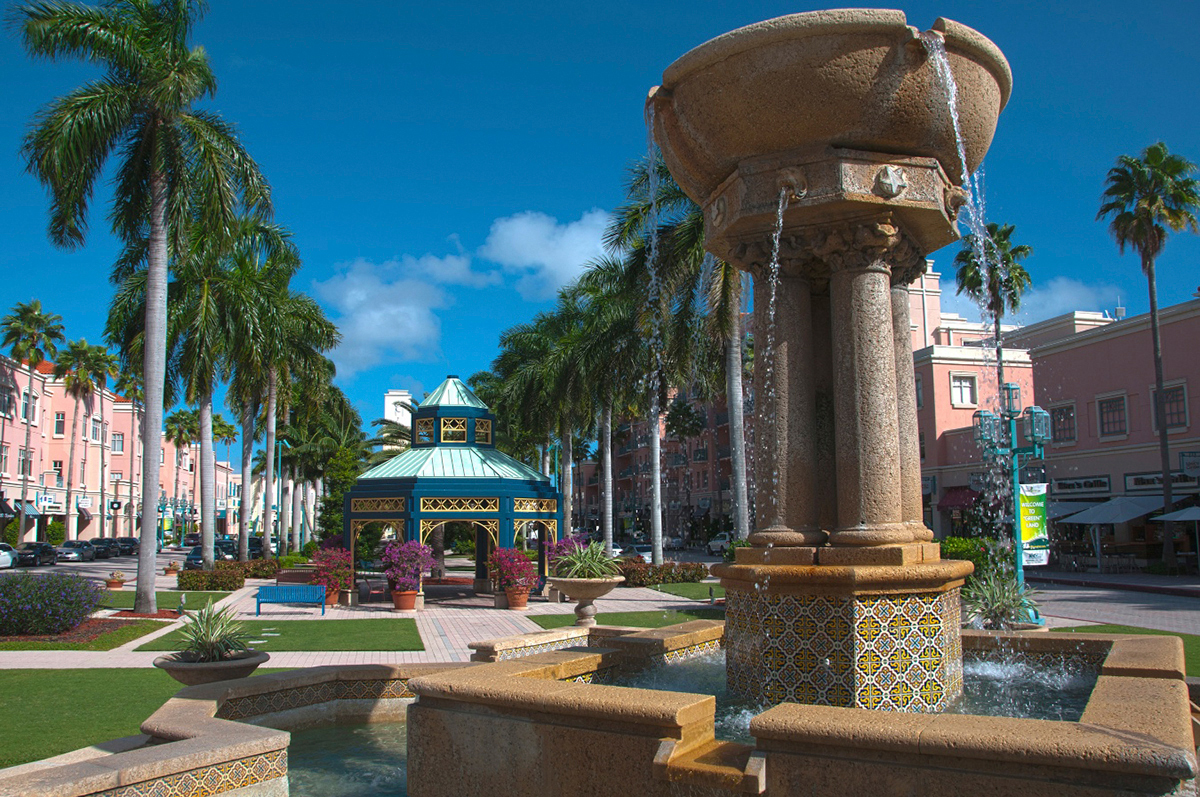 The new Hyatt Place in Downtown Boca Raton is a convenient jumping off point to explore nearby attractions, such as Mizner Park. (Photo credit: Discover The Palm Beaches)