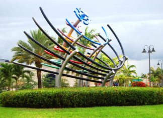 Modern sculpture at Legacy Place in Palm Beach Gardens. (Photo credit:Discover The Palm Beaches)