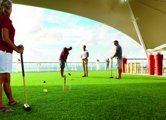 Celebrity Cruises LawnClub_Croquet