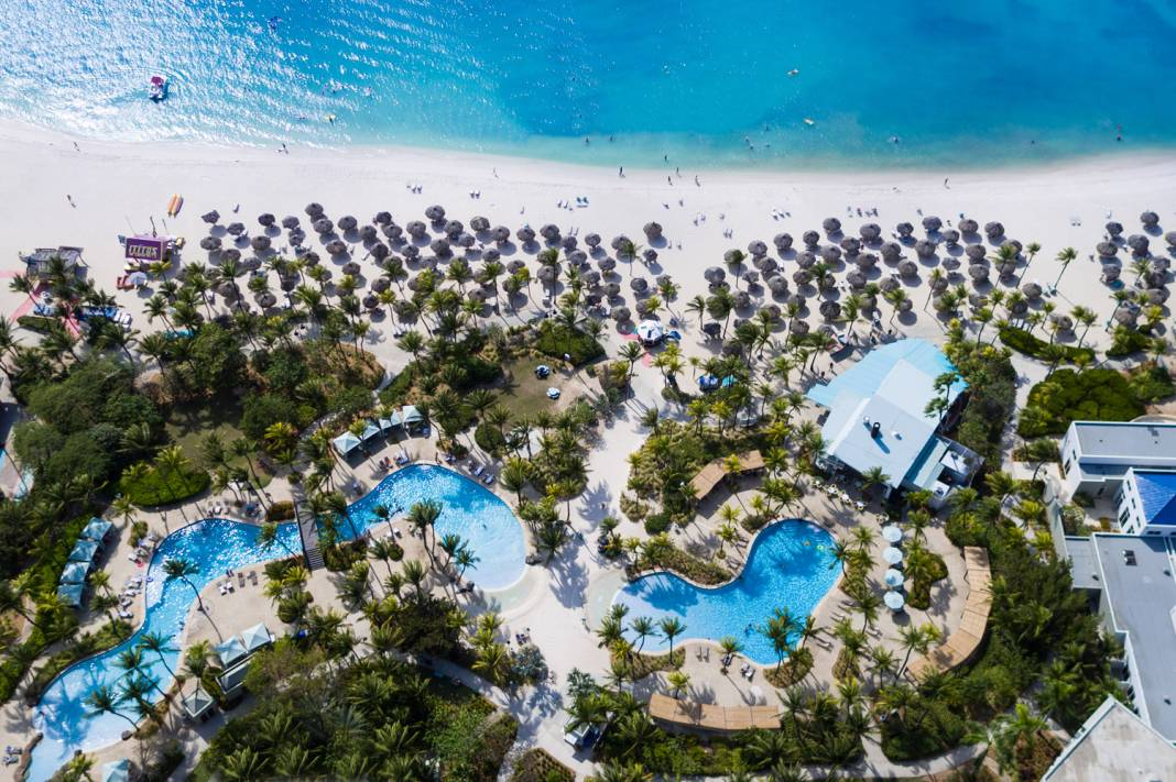 An aerial view of the Hilton Aruba Caribbean Resort & Casino.