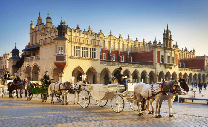 FAMTrips.travel and Poland Culinary Vacations' Poland FAM features sightseeing tours of some of the country's most popular sights.