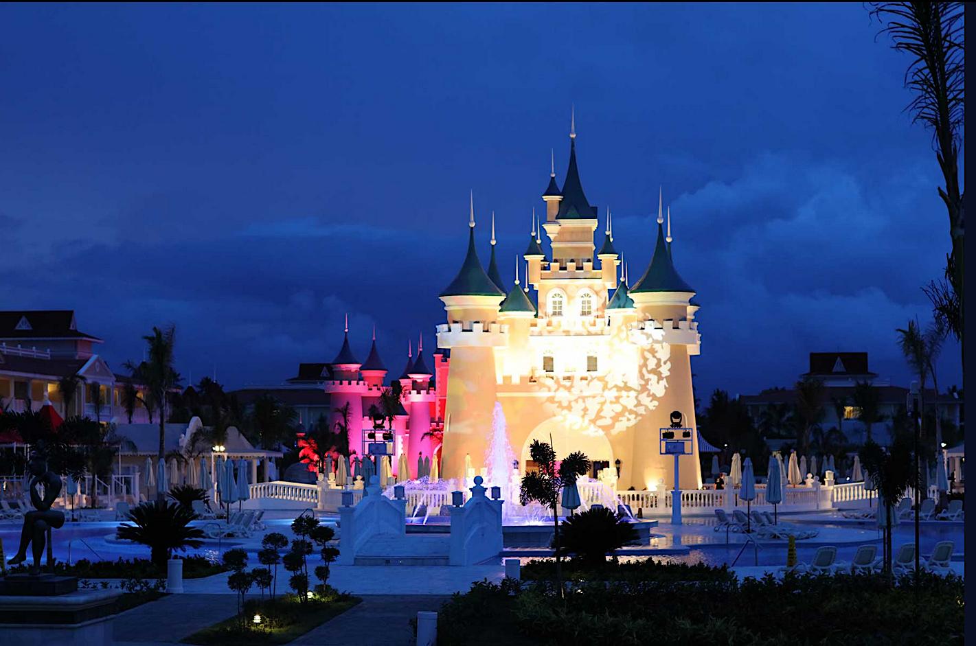 Grand opening of a bahia principe resort and how to sort for Hotel luxury bahia principe fantasia