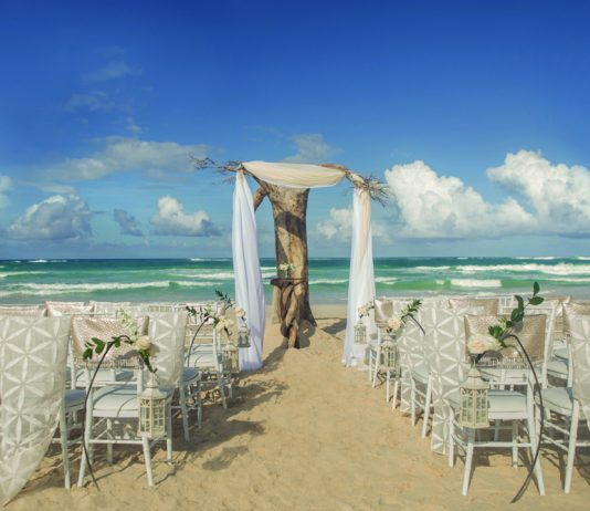 Couples can opt for the Driftwood Romance ceremony at the Hard Rock Hotels All-Inclusive Resorts.