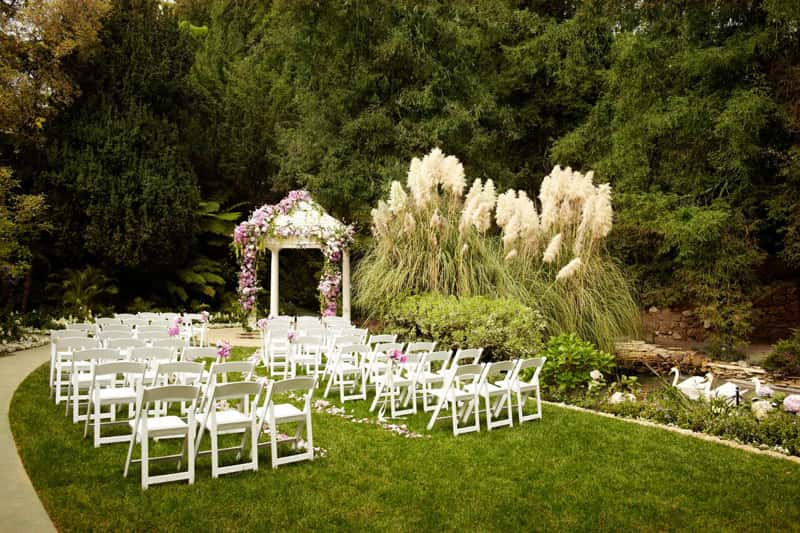 Swan Lake is the most famous venue for weddings at Hotel Bel-Air in Los Angeles.