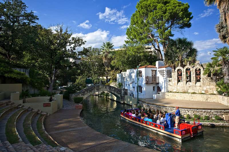 The San Antonio River Walk provides easy access to the city's cultural hot spots, historic sites and other attractions. (Photo credit: VisitSanAntonio)