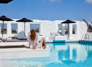 Mr. and Mrs. White New Style Hotelin Paros, Greece
