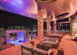 Westin Nashville is hosting aSolar Eclipse 2017 Watch Party at its rooftop bar.