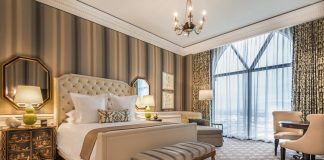 The renovation of Caesars Palace's largest tower includes ten luxurious villas.