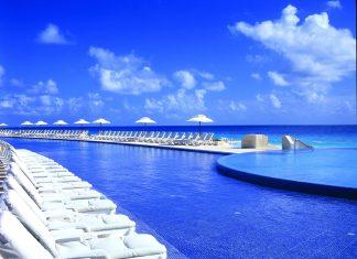 Poolside at Live Aqua.