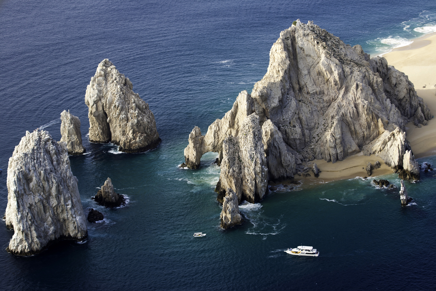 Los Cabos - Aerial shot of The Arch