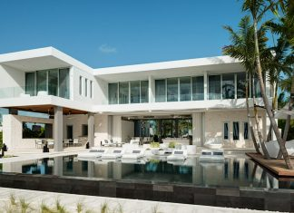 A stay at this 6-bedroom villa in Turks and Caicos can cost $7,000 per night.