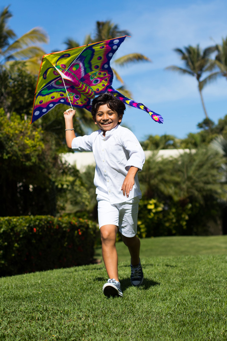 At Grand Velas Riviera Nayarit, little ones can make and fly a kite.