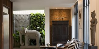 Affordable luxury at Jaya House River Park lobby