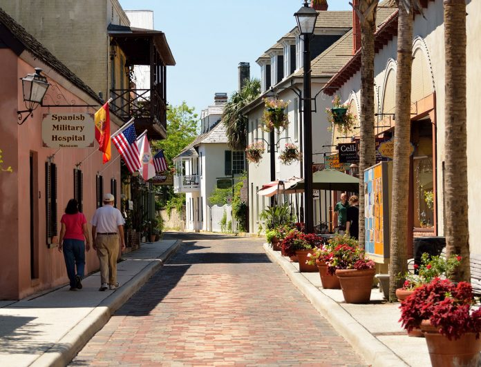 The Undiscovered Florida guide introduces readers to cities like St. Augustine, America's oldest permanent European settlement.