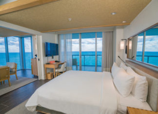 The stunning 1-bedroom Oceanfront Suite.