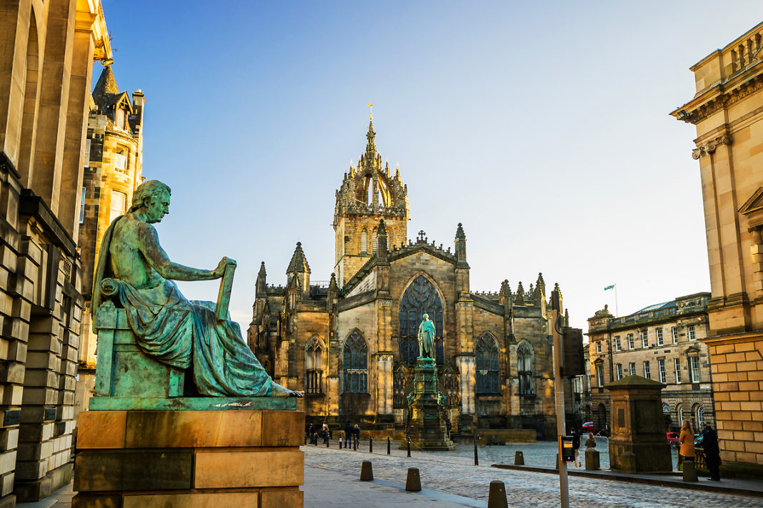Edinburgh, Scotland is one of several destinations that travelers can visit on a discounted Great Britain itinerary with Avanti Destinations.